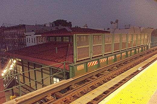 Van Siclen Av - subway station  | Photo 9 of 10 | Address: Brooklyn, NY 11207, USA