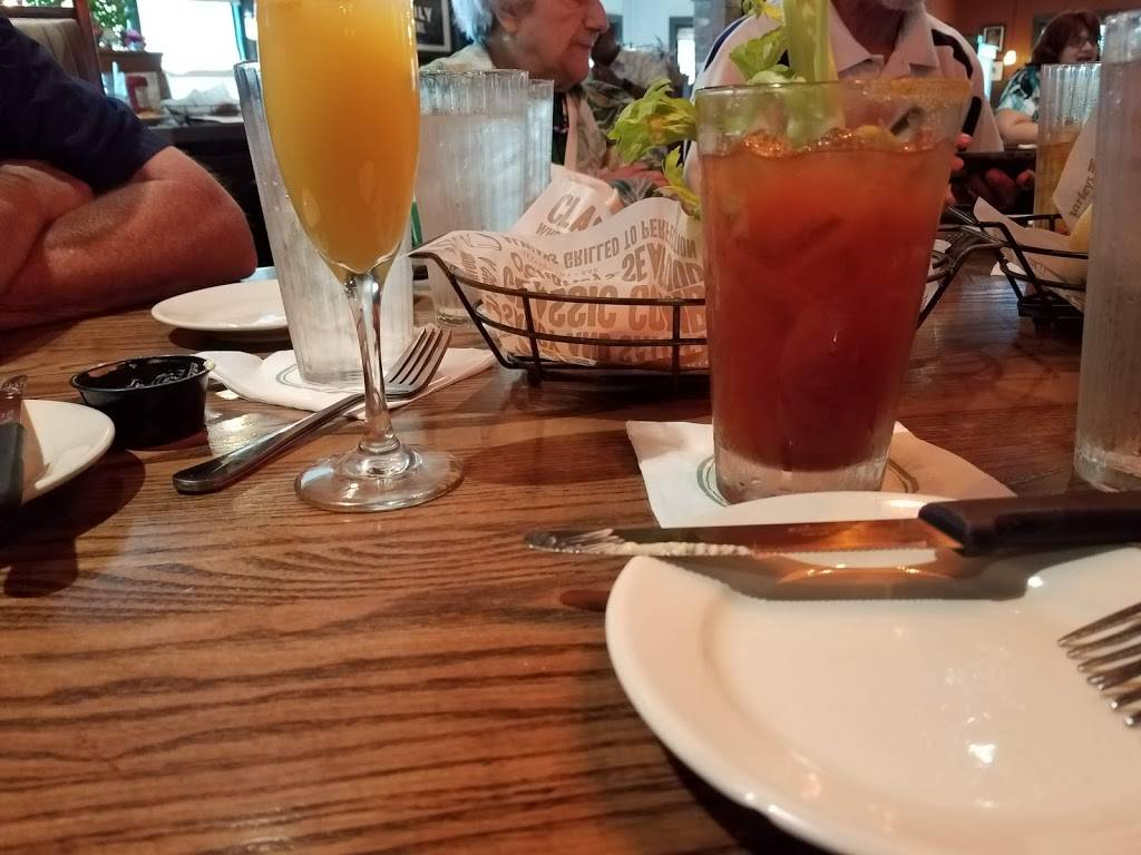 OCharley's Restaurant & Bar - restaurant  | Photo 7 of 9 | Address: 6285 Cleveland Ave, Columbus, OH 43231, USA | Phone: (614) 895-7324