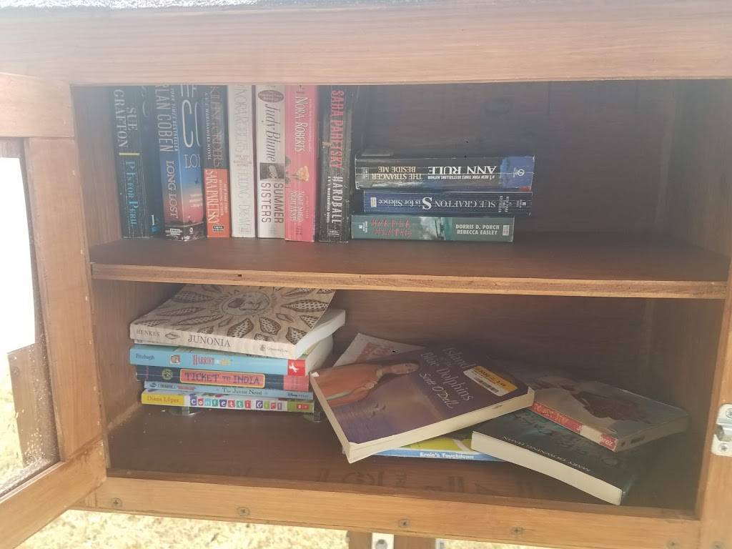 Little Free Library - library    Photo 2 of 3   Address: 1000 Shadow Bend Dr, Sugar Land, TX 77479, USA   Phone: (715) 690-2488