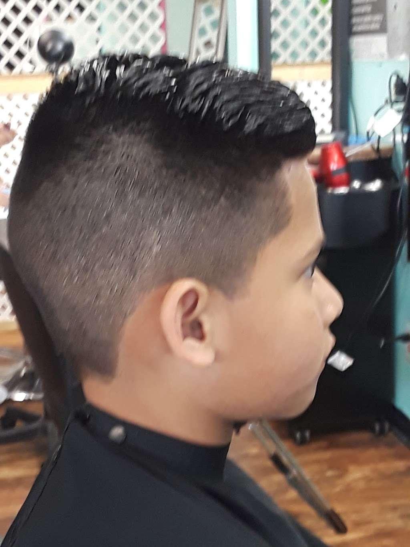 G.Y.E. BEAUTY SALON - hair care  | Photo 9 of 10 | Address: 1712 N Frazier St, Conroe, TX 77301, USA | Phone: (936) 525-2908