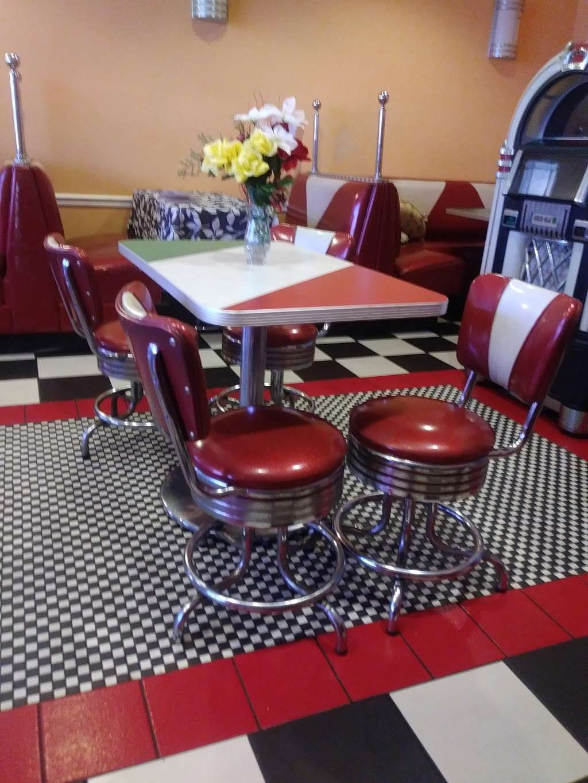 La Belle Monique - restaurant  | Photo 8 of 10 | Address: 937 S State Rd 7, Plantation, FL 33317, USA | Phone: (954) 587-0304