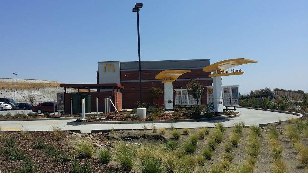 McDonalds - cafe  | Photo 3 of 10 | Address: 3500 Nelson Rd, Fairfield, CA 94533, USA | Phone: (707) 426-4734