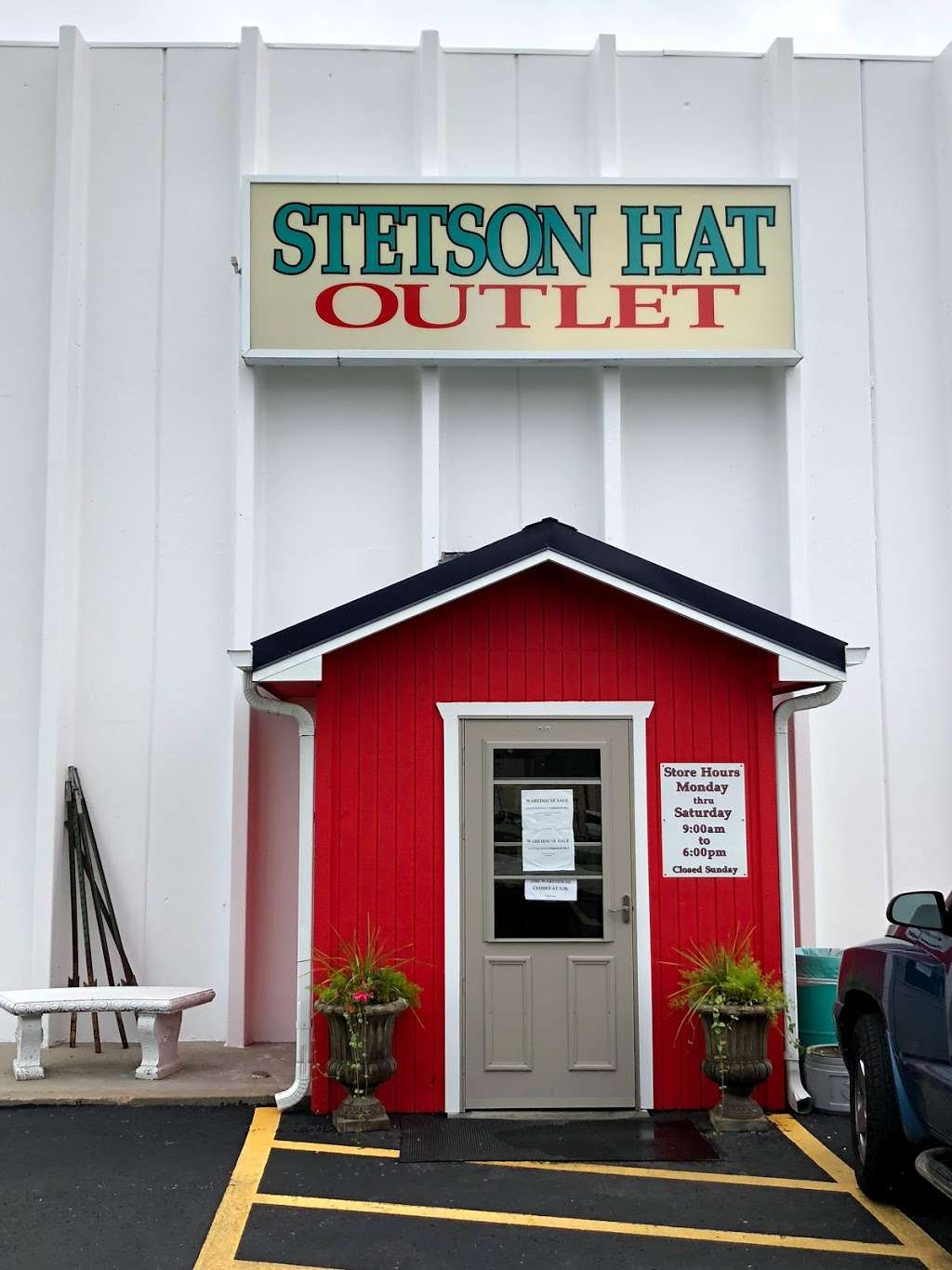 Stetson Hat Co Outlet Store - clothing store    Photo 5 of 10   Address: 3601 S Leonard Rd, St Joseph, MO 64503, USA   Phone: (816) 233-3286