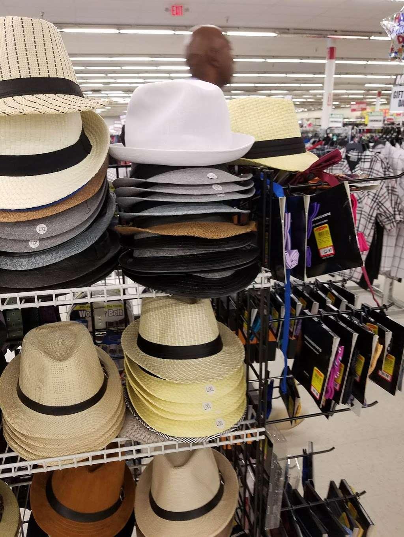 Forman Mills - clothing store  | Photo 7 of 10 | Address: 1140 Hurffville Rd, Woodbury, NJ 08096, USA | Phone: (856) 812-4894