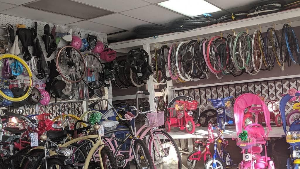 Long Beach Bike Shop - bicycle store    Photo 3 of 10   Address: 1701 Pacific Coast Hwy, Long Beach, CA 90806, USA   Phone: (562) 436-7447