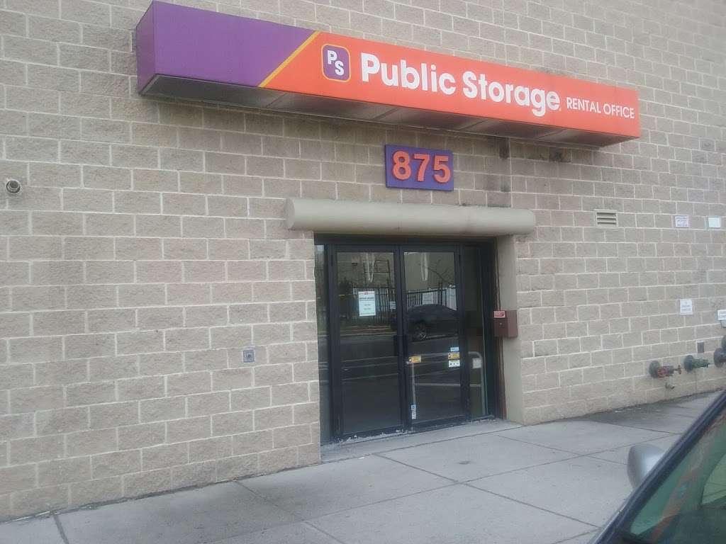Public Storage - storage  | Photo 3 of 7 | Address: 875 Brush Ave, Bronx, NY 10465, USA | Phone: (347) 352-9538