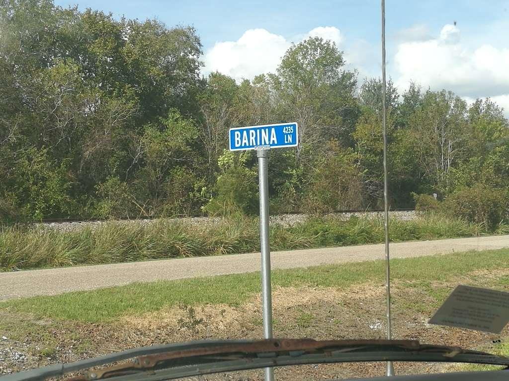 Barina RV & Boat Storage - storage    Photo 3 of 9   Address: 4235 County Rd 288, Angleton, TX 77515, USA   Phone: (979) 299-3772