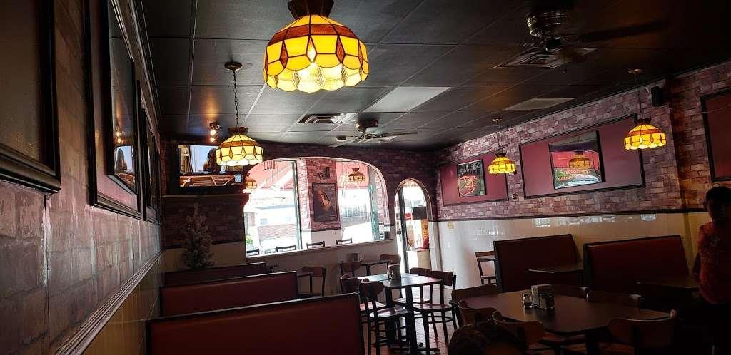 Johnnys Pizzeria - restaurant  | Photo 1 of 10 | Address: 520 Bergen Blvd, Palisades Park, NJ 07650, USA | Phone: (201) 944-4476