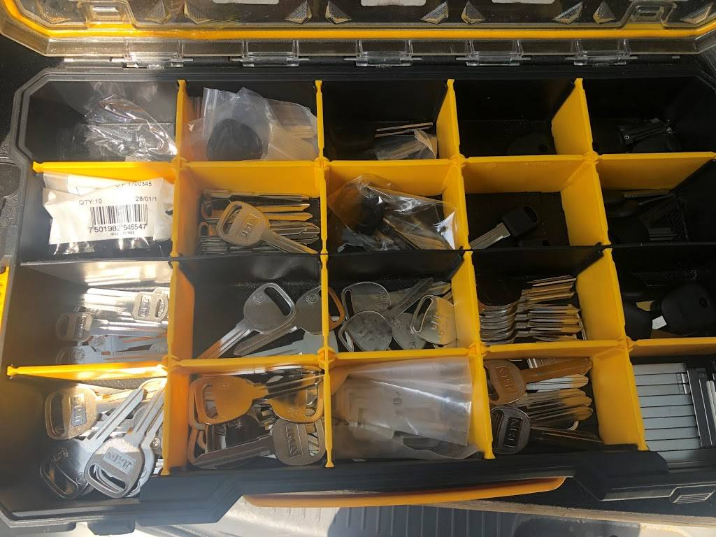 Safety Locksmith Las Vegas - locksmith  | Photo 7 of 10 | Address: 8221 Tivoli Cove Dr, Las Vegas, NV 89128, USA | Phone: (702) 970-4844