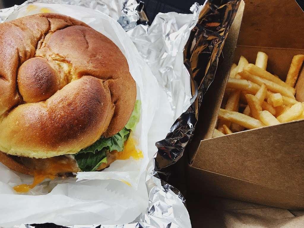 Mordi's Sandwich Shop - restaurant    Photo 7 of 10   Address: 320 Communipaw Ave, Jersey City, NJ 07304, USA   Phone: (551) 697-4805