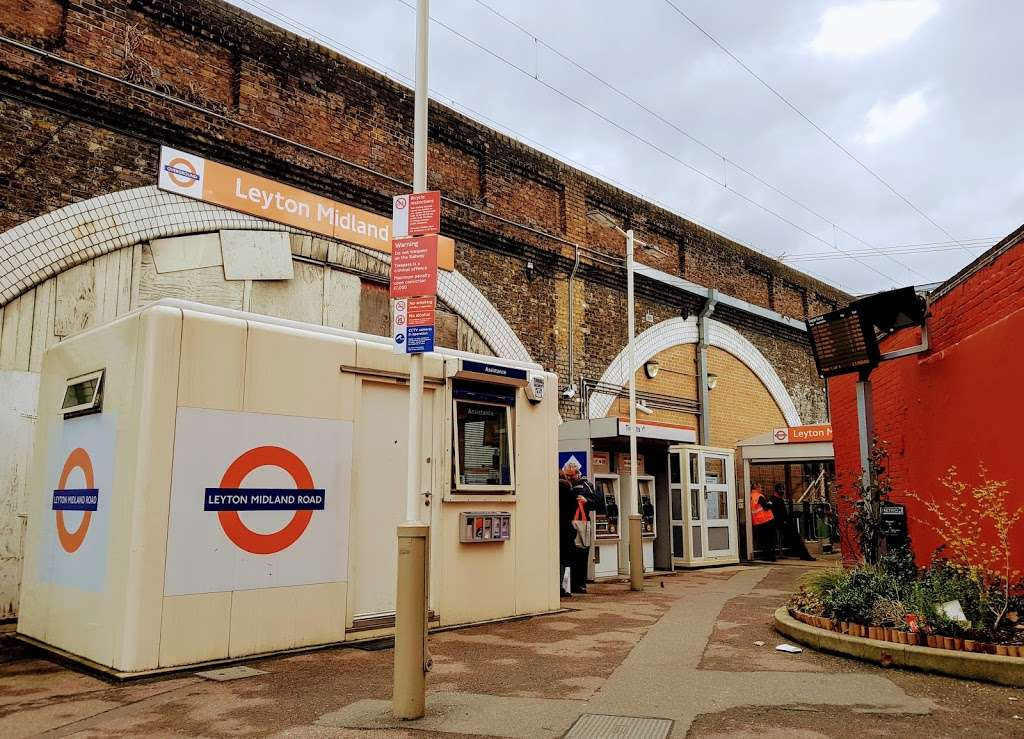 Leyton Midland Road - train station  | Photo 5 of 10 | Address: Midland Rd, London, Leyton E10 6JT, UK | Phone: 0343 222 1234