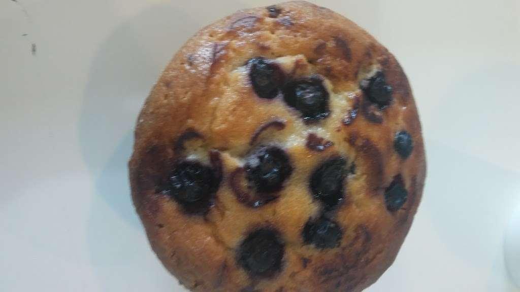 Good Donut - cafe  | Photo 2 of 6 | Address: 10310 Lower Azusa Rd, El Monte, CA 91731, USA | Phone: (626) 443-2227
