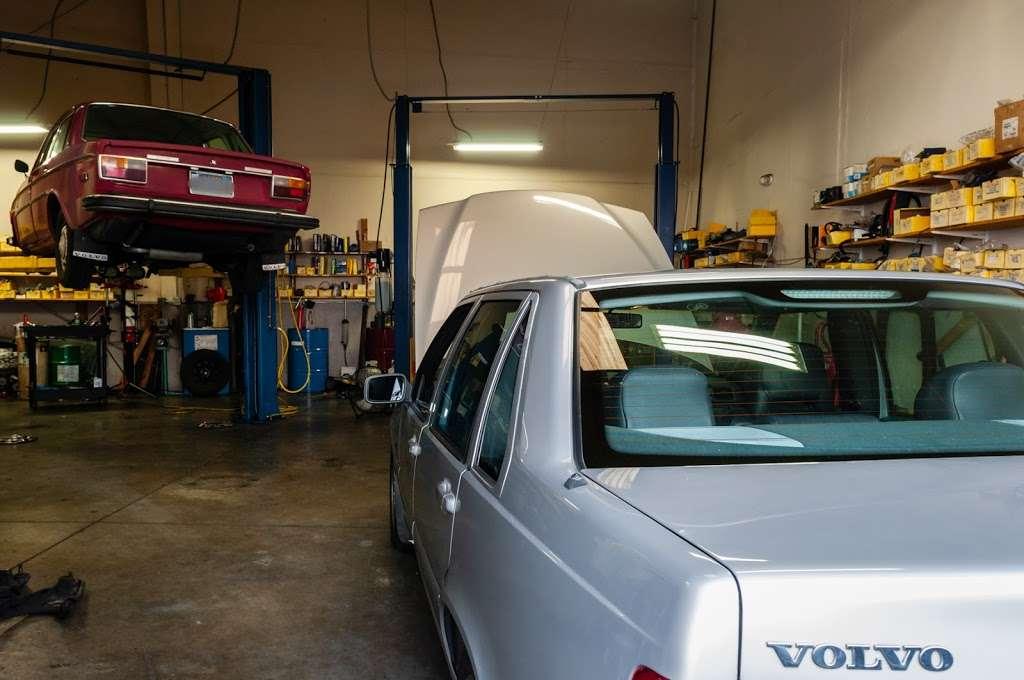 KP Motorworks - car repair    Photo 4 of 10   Address: 220 Classic Ct, Rohnert Park, CA 94928, USA   Phone: (707) 586-9984