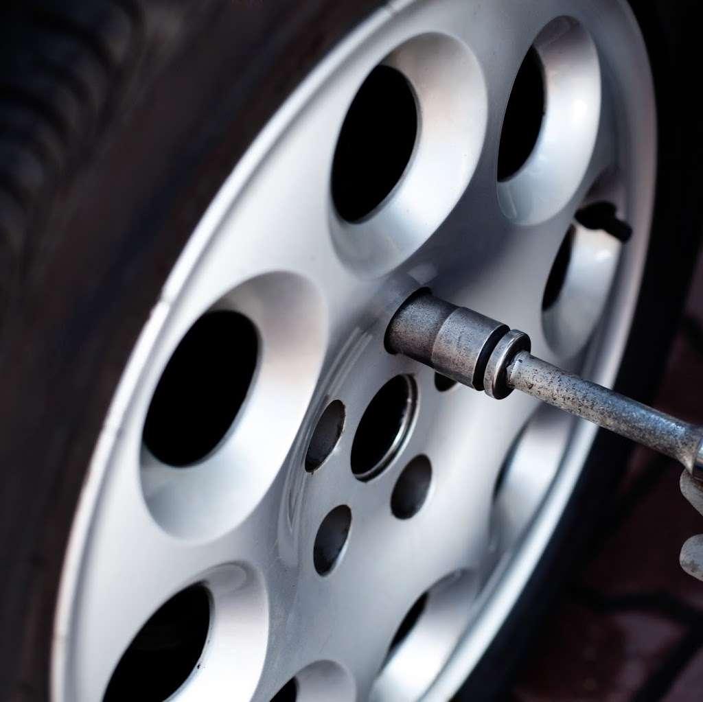 Demi Auto Care & Tires - car repair    Photo 5 of 7   Address: 1100 Convery Blvd, Perth Amboy, NJ 08861, USA   Phone: (201) 615-3213