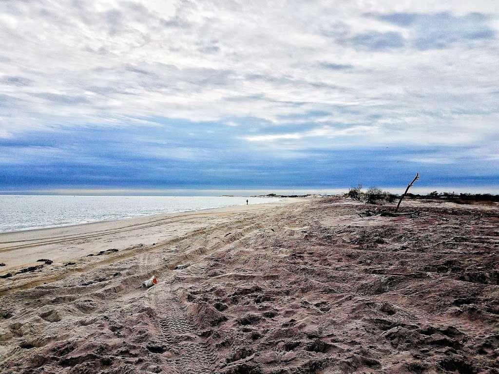 Sore Thumb Entrance - park  | Photo 8 of 10 | Address: Sore Thumb Beach Road, Babylon, NY 11702, USA