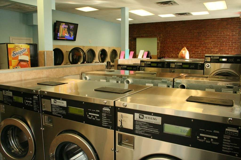 Senor Bubbles Laundromat & Dry Cleaner - laundry  | Photo 6 of 10 | Address: 456 Baldwin Ave, Jersey City, NJ 07306, USA | Phone: (201) 656-3471