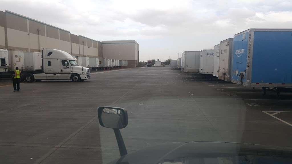 Amazon Reverse Logistics- TUS1 - storage  | Photo 2 of 7 | Address: 5333 W Lower Buckeye Rd, Phoenix, AZ 85043, USA