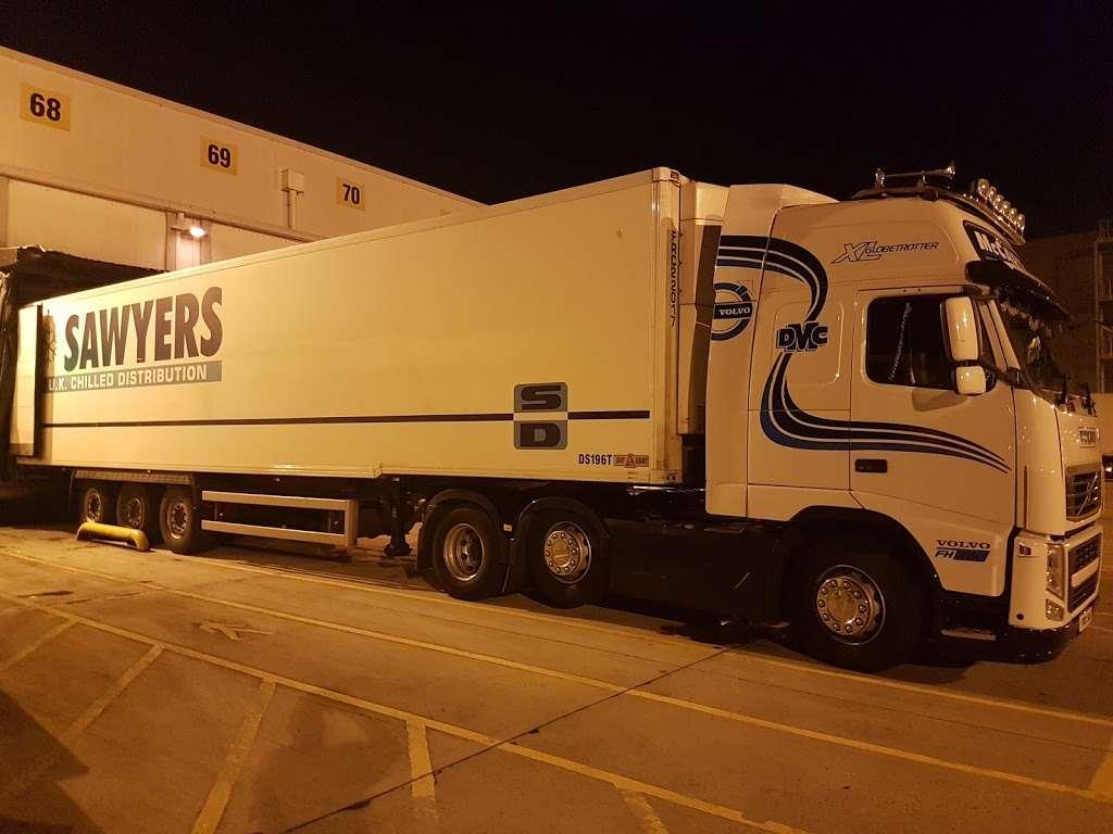 Tesco Dagenham Depot - storage  | Photo 9 of 10 | Address: Consul Ave, Rainham, Dagenham RM9 6DE, UK | Phone: 0800 323 4040