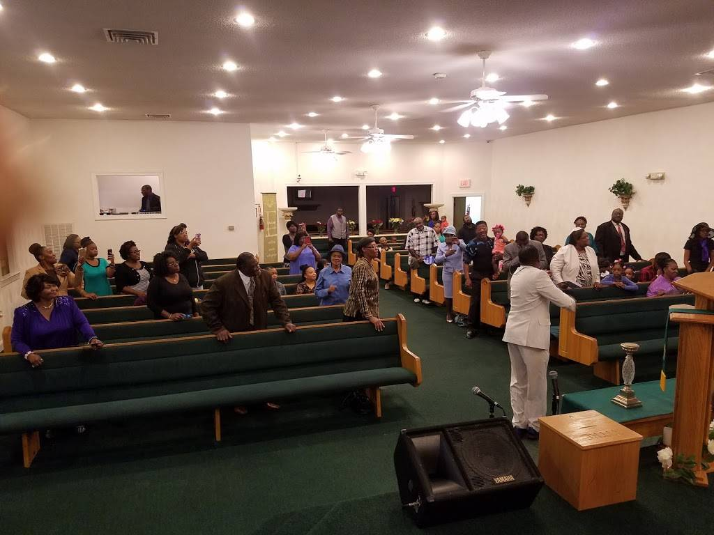 Solid Rock Apostolic Holiness - church  | Photo 7 of 7 | Address: 1442 Commerce Ave, Chesapeake, VA 23324, USA | Phone: (757) 543-0998