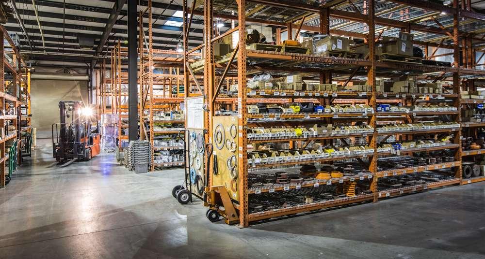 United Truck & Equipment, Inc. - store  | Photo 7 of 10 | Address: 2045 W Buckeye Rd, Phoenix, AZ 85009, USA | Phone: (602) 253-7739