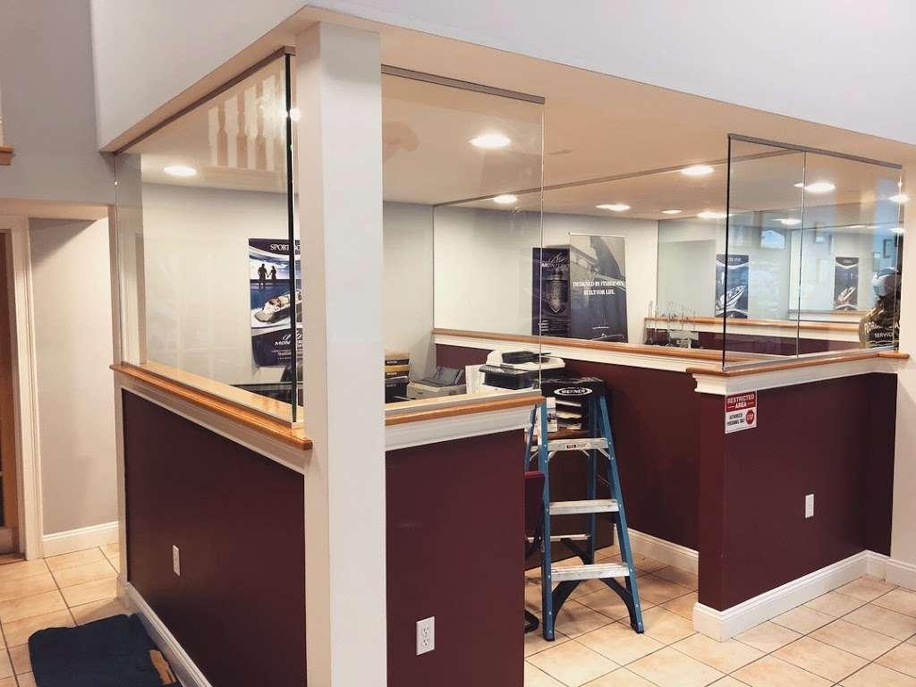 Florian Glass Service, Inc. - store  | Photo 5 of 10 | Address: 3800 32nd St, Union City, NJ 07087, USA | Phone: (201) 863-4770