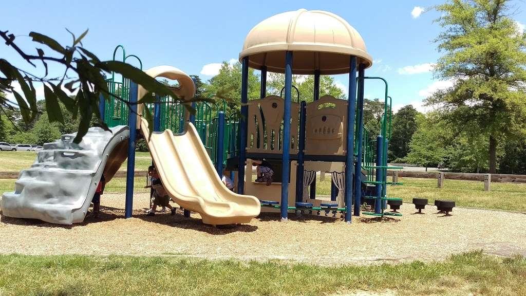 Ellanor C. Lawrence Park - park    Photo 3 of 10   Address: 5040 Walney Rd, Chantilly, VA 20151, USA   Phone: (703) 631-0013