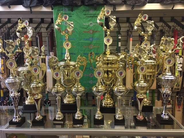 Cricket Zone Trophy World - store  | Photo 4 of 7 | Address: 1656 Castle Hill Ave, Bronx, NY 10462, USA | Phone: (718) 684-1140