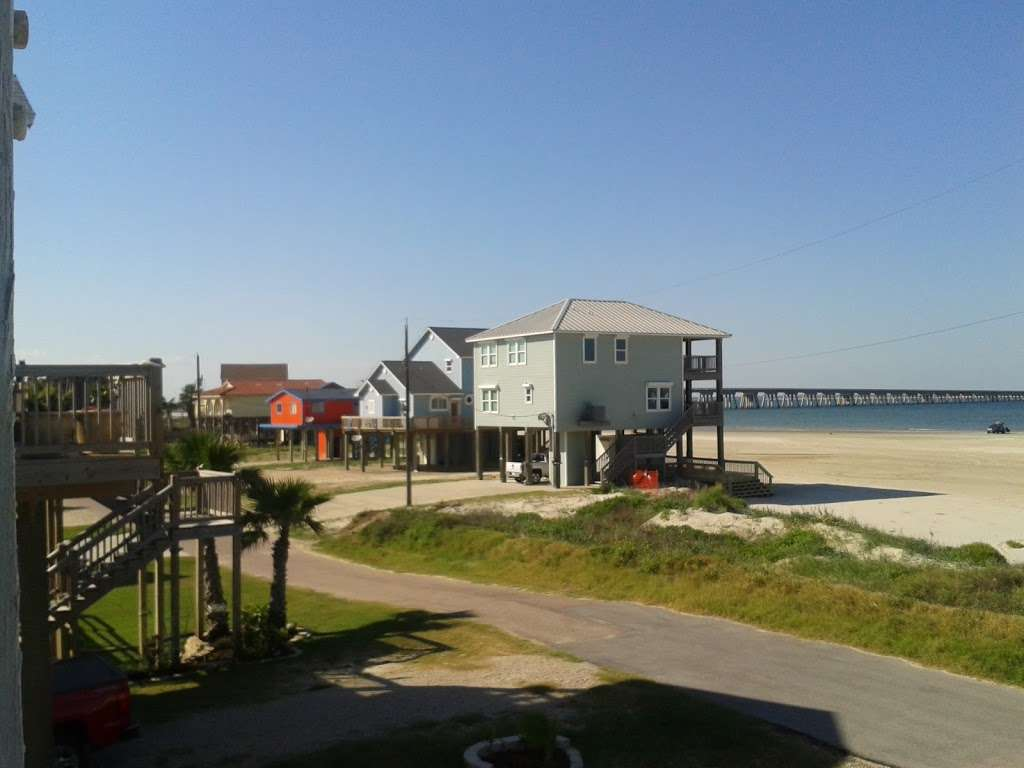 3D Beach - lodging  | Photo 1 of 10 | Address: 13115 Gulf Beach Dr, Freeport, TX 77541, USA | Phone: (713) 204-8054
