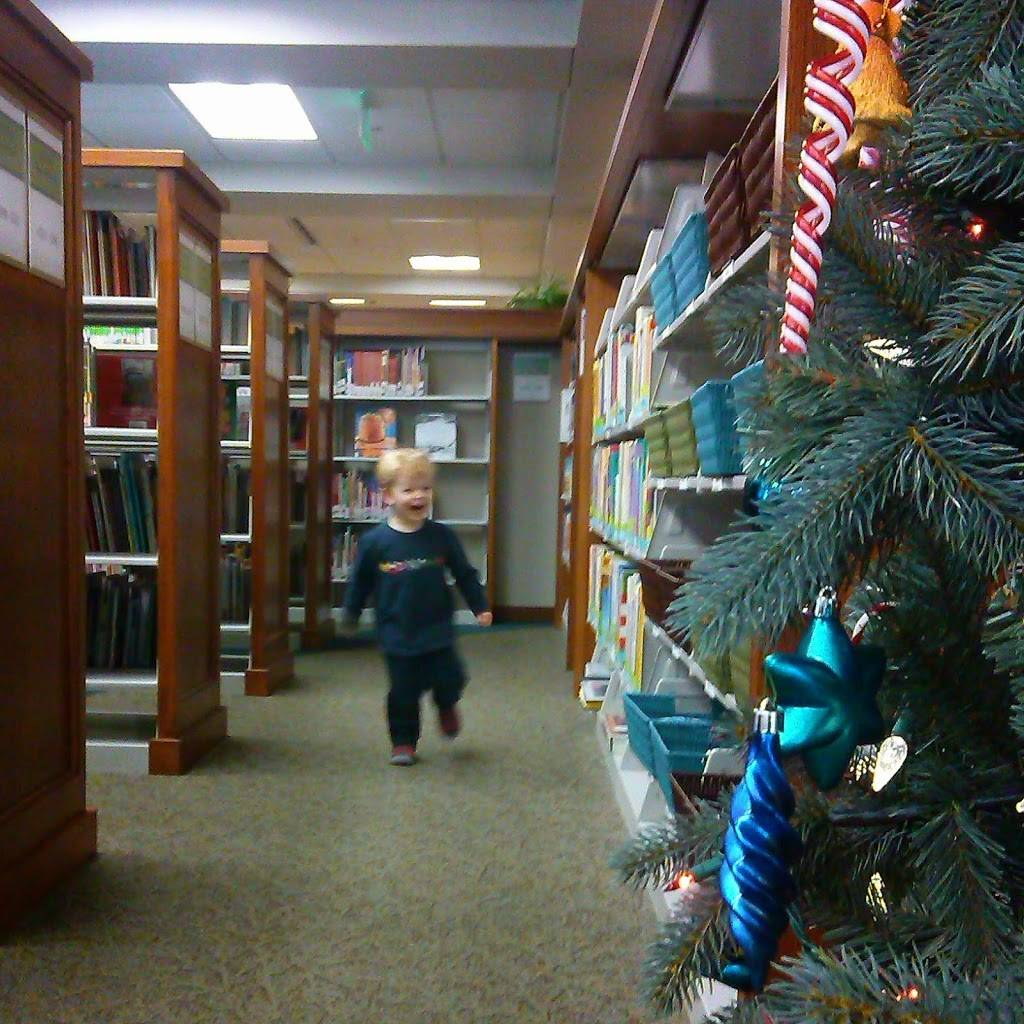 Dwight Foster Library - library  | Photo 3 of 5 | Address: 209 Merchants Ave, Fort Atkinson, WI 53538, USA | Phone: (920) 563-7790