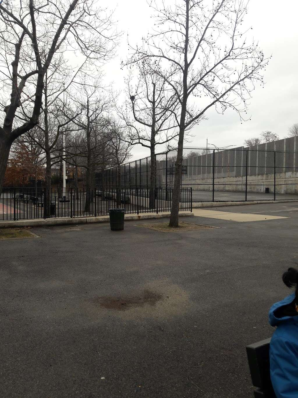 Crowley Playground - park  | Photo 9 of 10 | Address: 57th Ave. & 83rd St, Queens, NY 11373, USA | Phone: (212) 639-9675