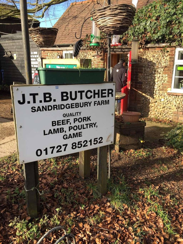 J T B Butchers - store  | Photo 2 of 4 | Address: Sandridgebury Ln, Sandridgebury Farm, St Albans AL3 6JB, UK | Phone: 01727 852152
