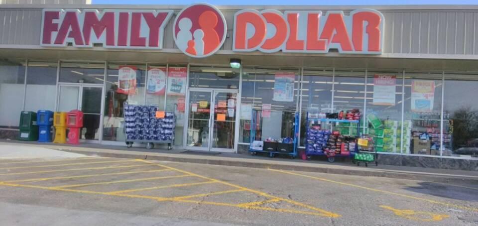 Family Dollar - supermarket  | Photo 1 of 10 | Address: 3744 E Admiral Pl, Tulsa, OK 74115, USA | Phone: (918) 984-6676
