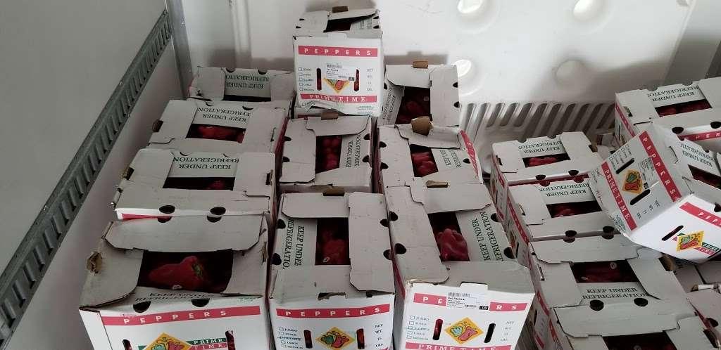Roundys Supermarkets Distribution Warehouse - storage  | Photo 6 of 10 | Address: 1120 Distribution Ct, Oconomowoc, WI 53066, USA | Phone: (262) 560-3300