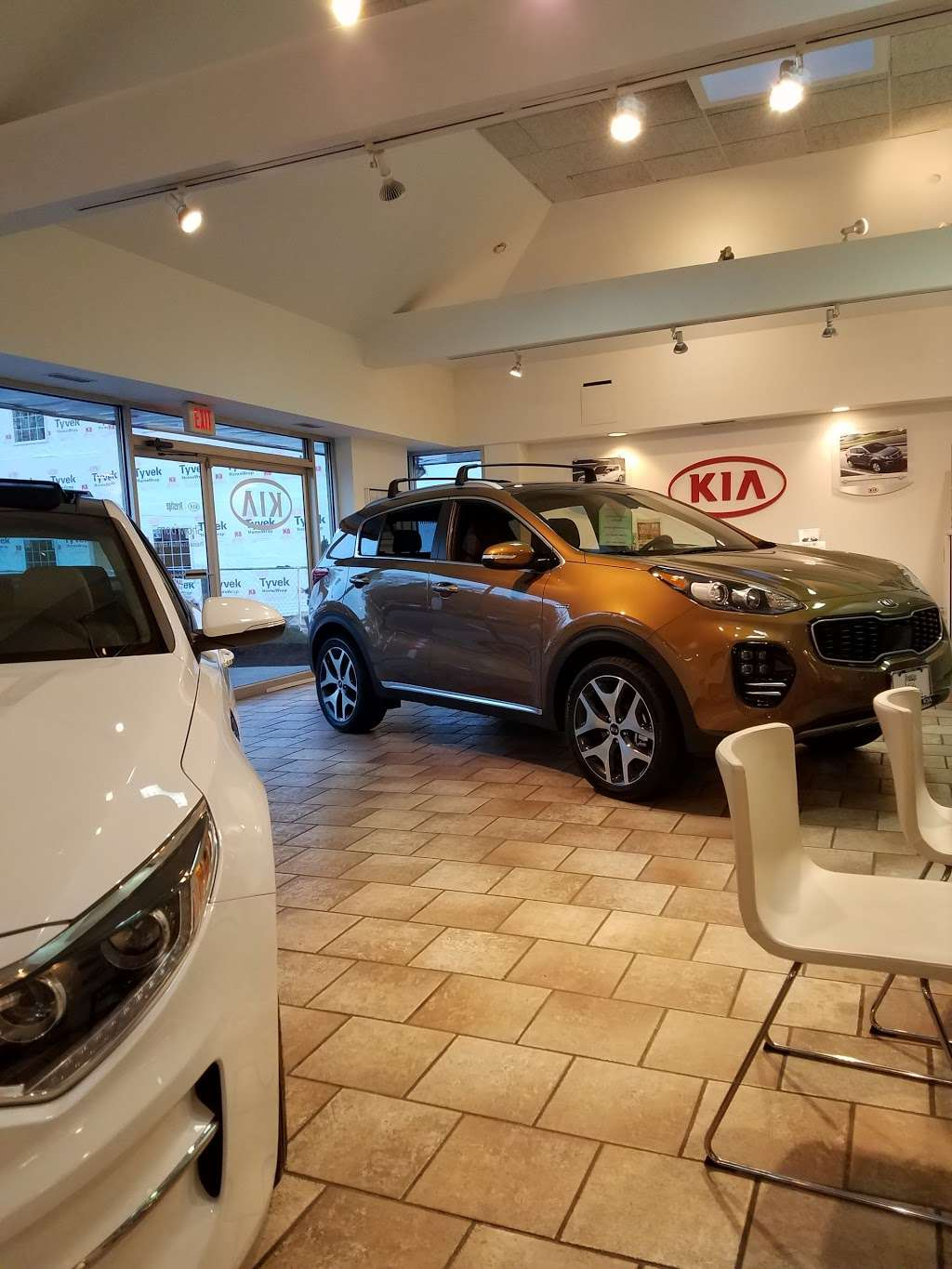 Prestige Kia - car dealer  | Photo 1 of 10 | Address: 95 County Rd, Tenafly, NJ 07670, USA | Phone: (201) 871-9400