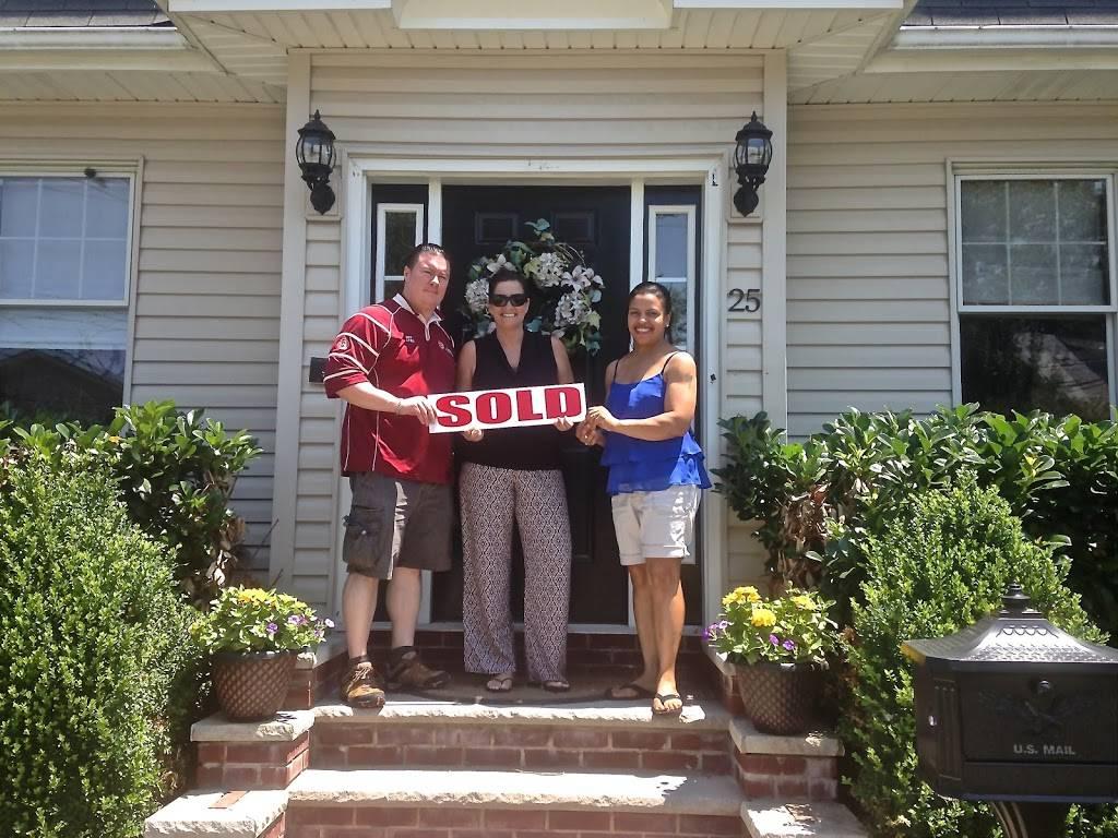 Hollys Staten Island Buzz Realty - real estate agency  | Photo 3 of 9 | Address: 4 Minthorne St, Staten Island, NY 10301, USA | Phone: (718) 702-6848