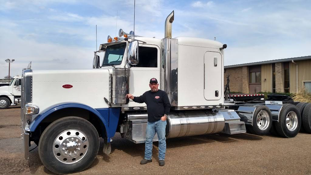 TruckMarket.com - store  | Photo 6 of 8 | Address: 8680 W Sandidge Rd, Olive Branch, MS 38654, USA | Phone: (877) 987-8250