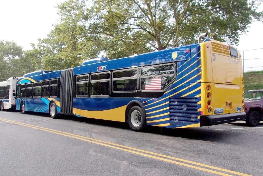 W 205 St/paul Av - bus station  | Photo 1 of 7 | Address: Bronx, NY 10468, USA