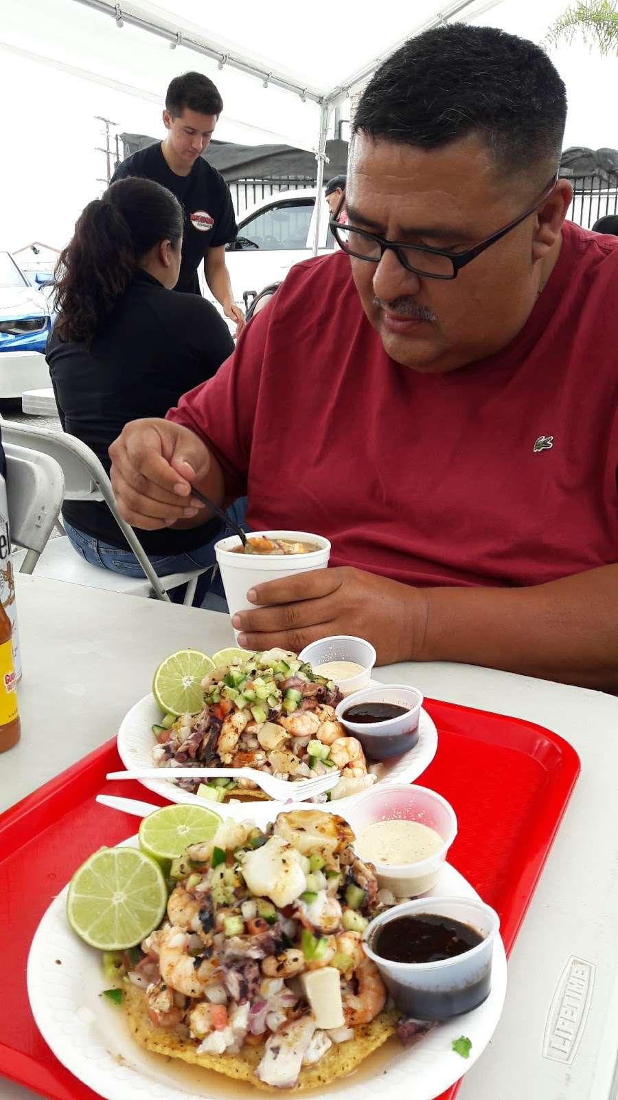 Mariscos Tocho - restaurant  | Photo 6 of 10 | Address: 11299 Alameda St, Los Angeles, CA 90059, USA | Phone: (562) 415-7519