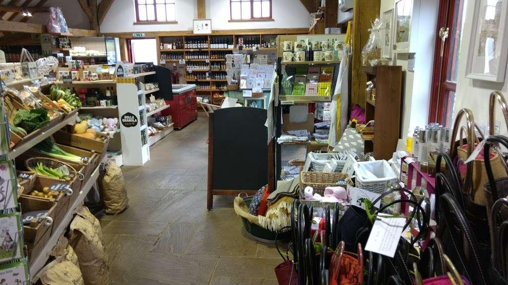 New House Farm Shop - cafe  | Photo 4 of 10 | Address: Old Crawley Rd, Faygate, Horsham RH12 4RU, UK | Phone: 01293 851890