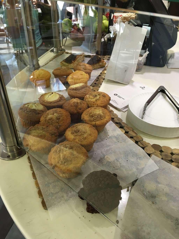 JCC Café - restaurant  | Photo 3 of 8 | Address: 411 E Clinton Ave, Tenafly, NJ 07670, USA