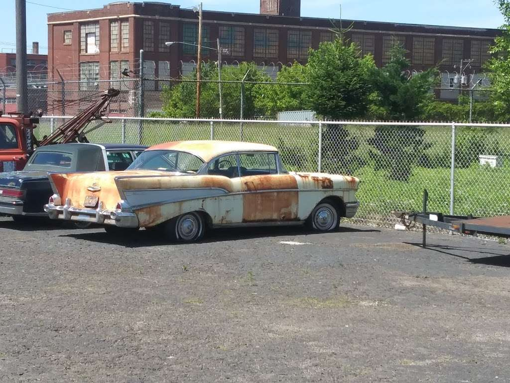 Dons Auto Body - car repair  | Photo 1 of 1 | Address: 1941 E Sedgley Ave, Philadelphia, PA 19124, USA | Phone: (215) 744-3322