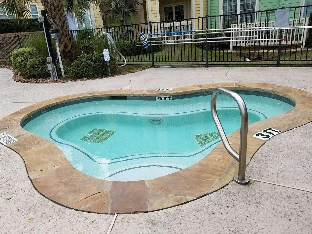 Dawn Beach Condominiums - real estate agency  | Photo 5 of 10 | Address: 7000 Seawall Blvd, Galveston, TX 77551, USA | Phone: (888) 532-9623