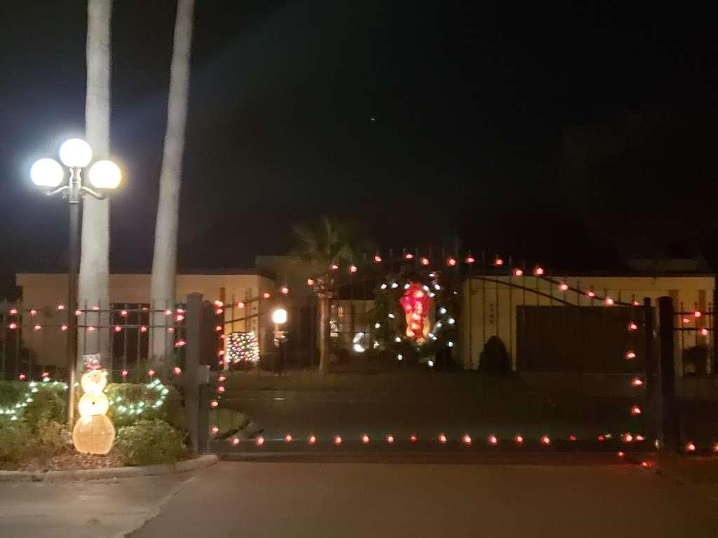Majestic View Cottages - lodging    Photo 1 of 10   Address: Creekwood Ln, Mulberry, FL 33860, USA   Phone: (800) 519-3342