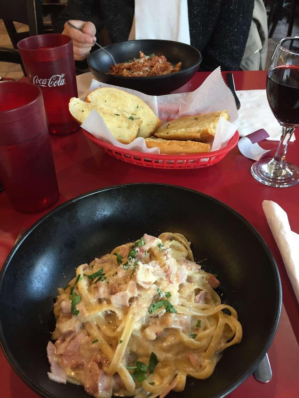 Piccolo Trattoria Italian Restaurant - restaurant  | Photo 8 of 10 | Address: 455 Main St, New York, NY 10044, USA | Phone: (212) 753-2300