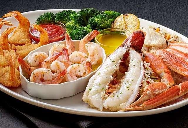 Red Lobster - restaurant  | Photo 1 of 10 | Address: 9140 E Roosevelt Blvd, Philadelphia, PA 19115, USA | Phone: (215) 673-5750