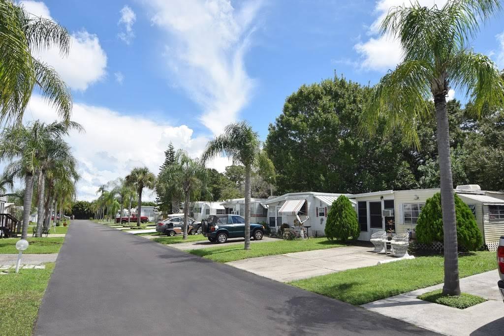 Avalon RV Resort - rv park  | Photo 2 of 6 | Address: 16860 US Hwy 19 N, Clearwater, FL 33764, USA | Phone: (727) 531-6124