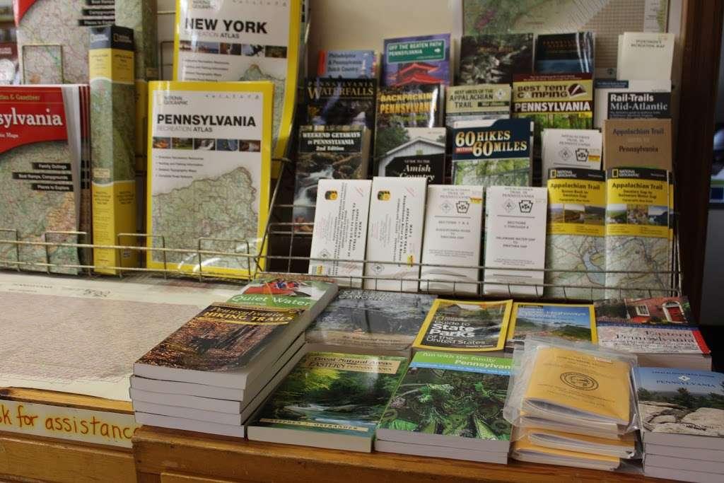Clay Book Store - book store  | Photo 3 of 10 | Address: 2450 W Main St, Ephrata, PA 17522, USA | Phone: (717) 733-7253
