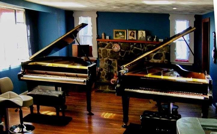 Bill Hynes Piano - electronics store  | Photo 1 of 5 | Address: 10 Stevens Ave, Saugus, MA 01906, USA | Phone: (781) 233-2195