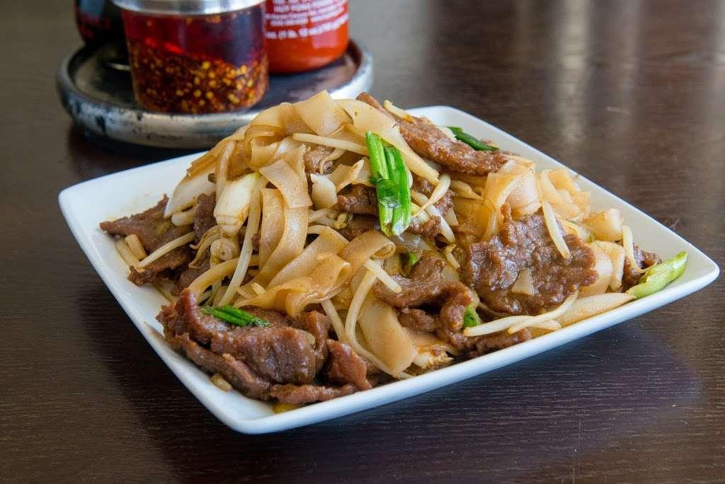 Tasty Wok Cuisine - meal delivery  | Photo 8 of 10 | Address: 11628 Santa Monica Blvd #7, Los Angeles, CA 90025, USA | Phone: (310) 826-0900