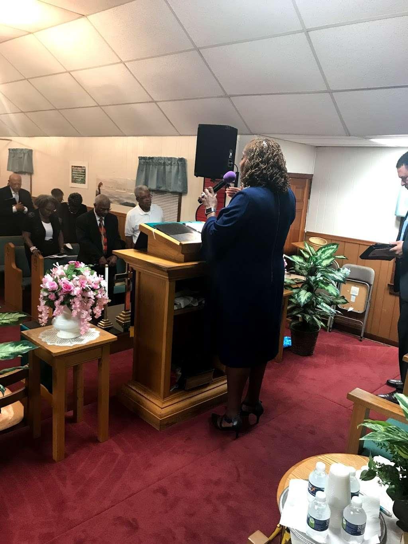 First Baptist Church of Elmont - church  | Photo 3 of 4 | Address: 11624 Cedar Ln, Ashland, VA 23005, USA | Phone: (804) 798-6473